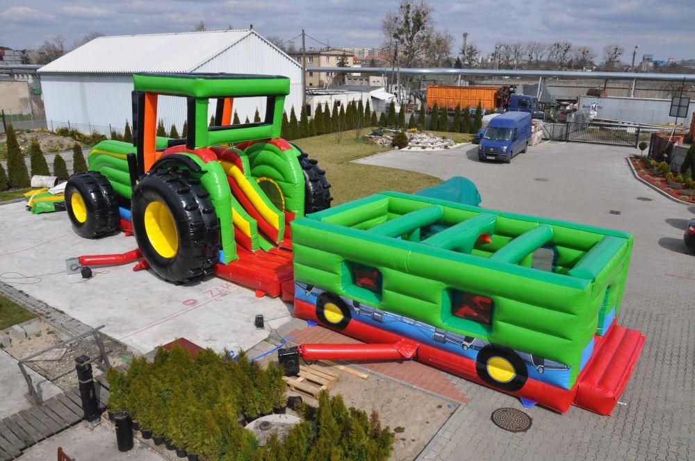 Klettergerüst Traktor : Hüpfburg traktor anhänger u kreative spielwerkstatt